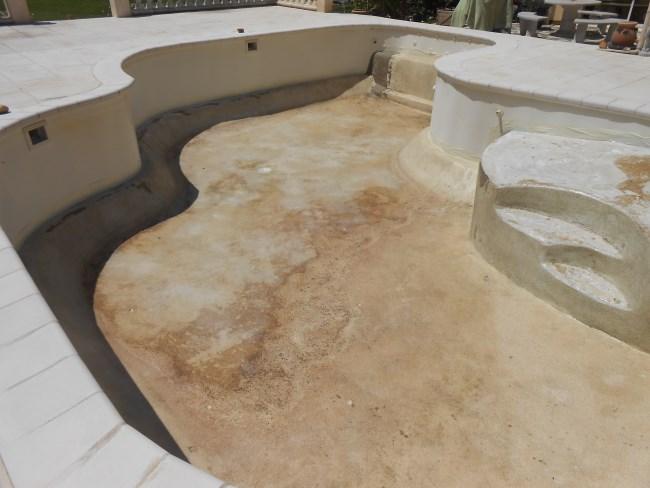 Piscine b ton liner sud resine for Piscine avec coque resine