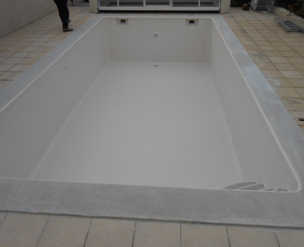 piscine stratifiée