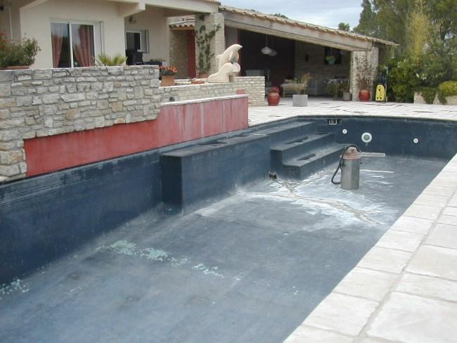 R paration piscine b ton et carrelage sud resine for Etancheite piscine avant carrelage