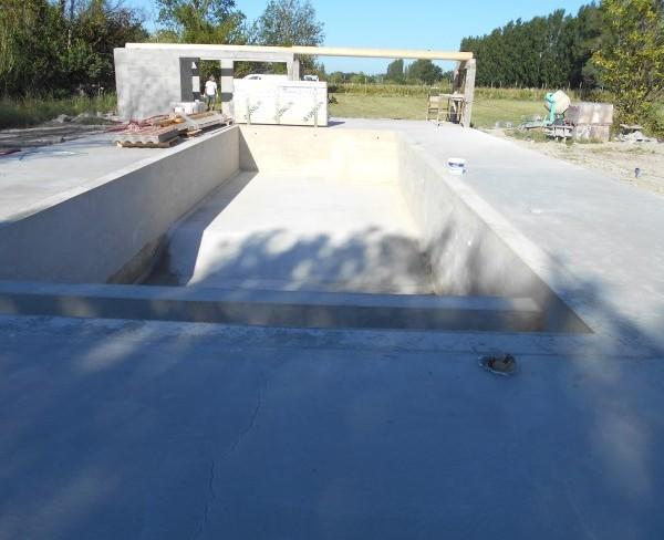 bassin neuf en béton