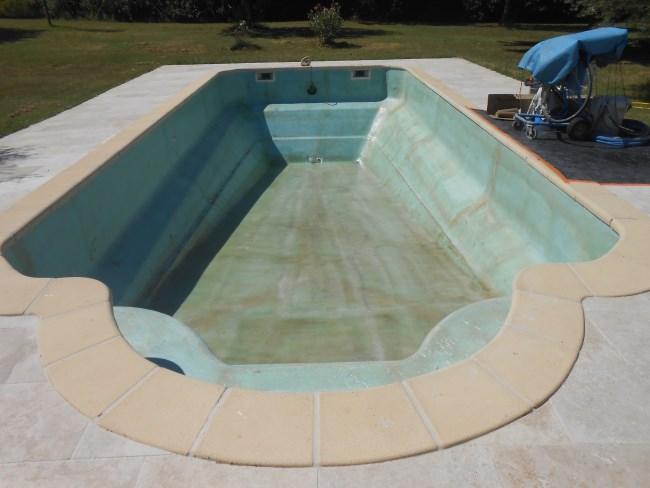 D stratification sur coque sud resine for Coque de piscine en resine