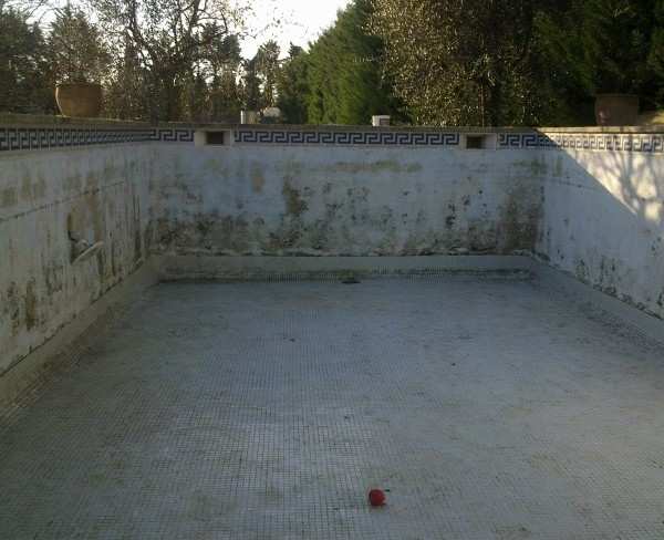 Piscine b ton carrel sud resine for Piscine beton banche
