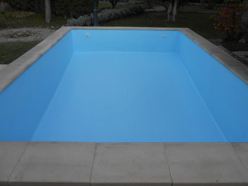 Piscine b ton carrel sud resine for Reparation piscine polyester